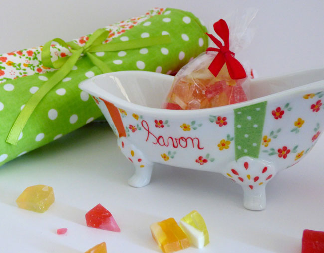 collection mandarine porte savon baignoire et essuie main assortis